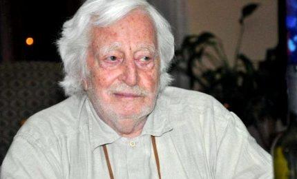 E' morto a 92 anni Carlo Croccolo, lavorò al fianco di Totò. La moglie, conserviamone il sorriso