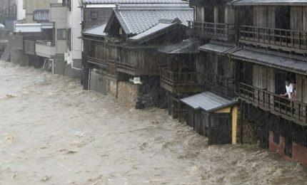 Tifone in Giappone, morte almeno 74 persone