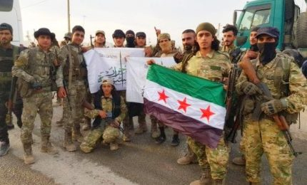 I jihadisti di al Qaida a fianco della Turchia contro curdi. E le Fds accusano gli Usa: ci avete abbandonato