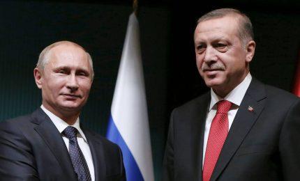 Tregua fragile in Siria, tensione tra Roma e Ankara. Attesa per incontro Putin-Erdogan