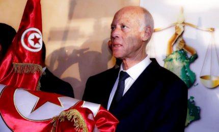 Il nuovo presidente della Tunisia Kais Saied ha giurato