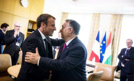 Orban da Macron: gli spiegherò la mia linea su migranti