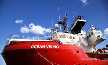 """Ocean Viking 10 giorni in mare: """"Ue consenta sbarco migranti"""". +Europa: """"Lamorgese assegni porto"""""""