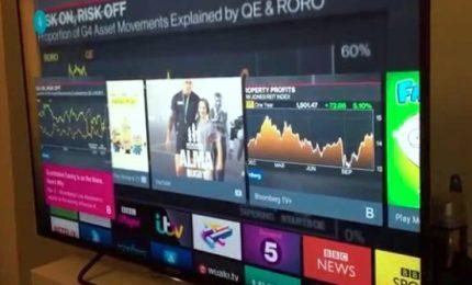 Anziani digitali e stranieri iperconnessi. Boom delle Smart Tv