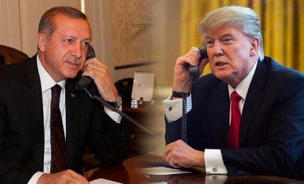 Trump dà via libera a Erdogan, la Turchia pronta a invadere la Siria. Preoccupazione Onu, Ue e Russia