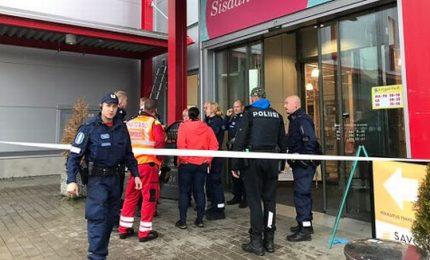 Sparatoria in Finlandia, 1 morto e 10 feriti. Arrestato l'aggressore