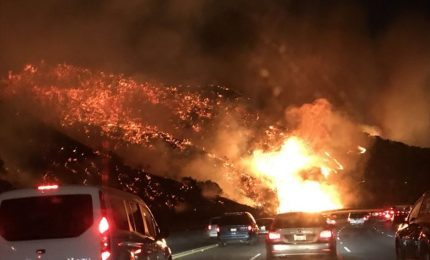 Fiamme a Los Angeles, black-out in California