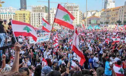 """Libano, il premier Hariri si dimette dopo due settimane di proteste: """"Ho raggiunto un vicolo cieco"""""""