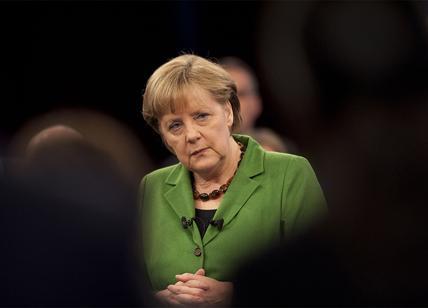 "La Merkel avverte: ""Col virus, prossimi mesi difficili"""