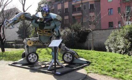 In Vietnam pezzi di vecchie moto diventano robot