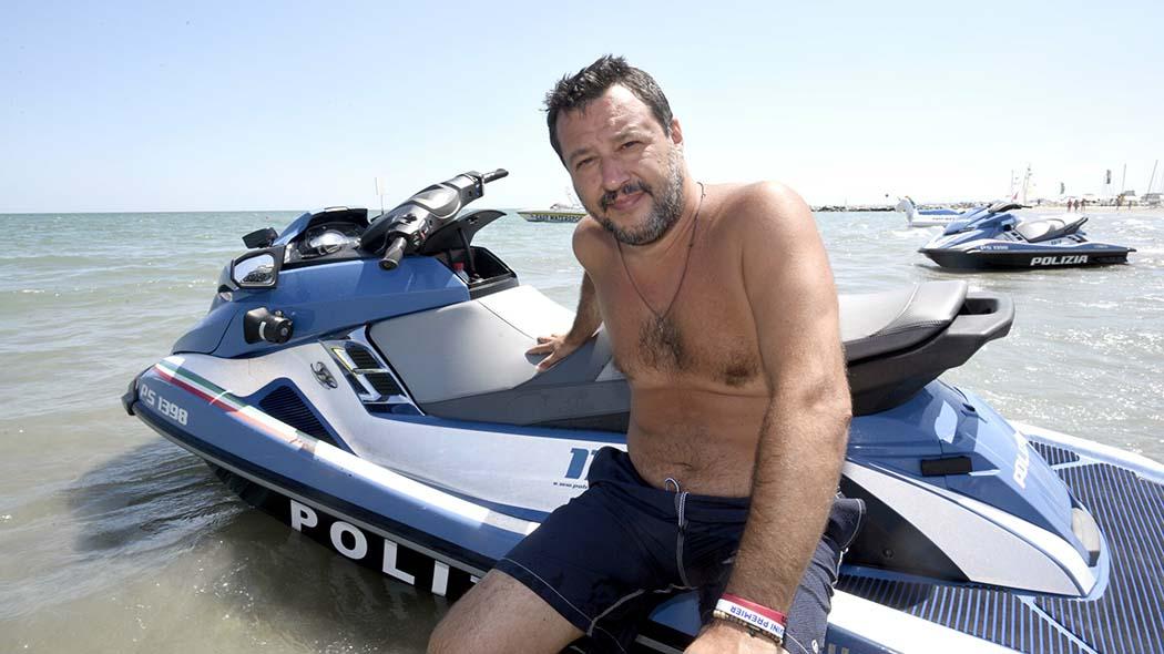 Figlio Salvini su moto acqua, pm chiede l'archiviazione