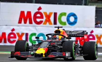 Verstappen pole da brividi, poi le Ferrari
