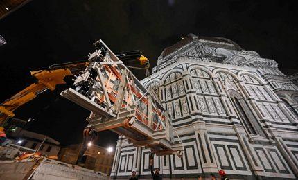 A Firenze torna a splendere la porta più antica del Battistero
