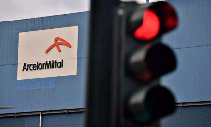 """Il 4 dicembre ArcelorMittal chiude lo stabilimento di Taranto. Allarme sindacati: """"Situazione ancor più drammatica"""""""