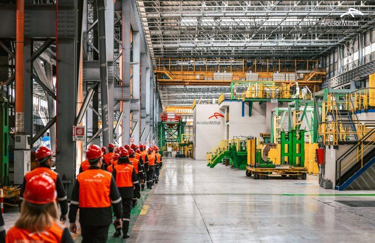 Camera boccia ripristino scudo penale per ArcelorMittal. E stop emendamento su taglio iva assorbenti