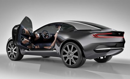 Aston Martin, da James Bond al suo primo Suv