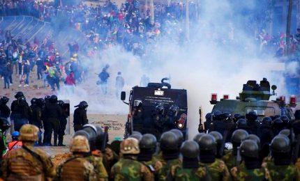 Bolivia, scontri tra Polizia e attivisti pro-Morales