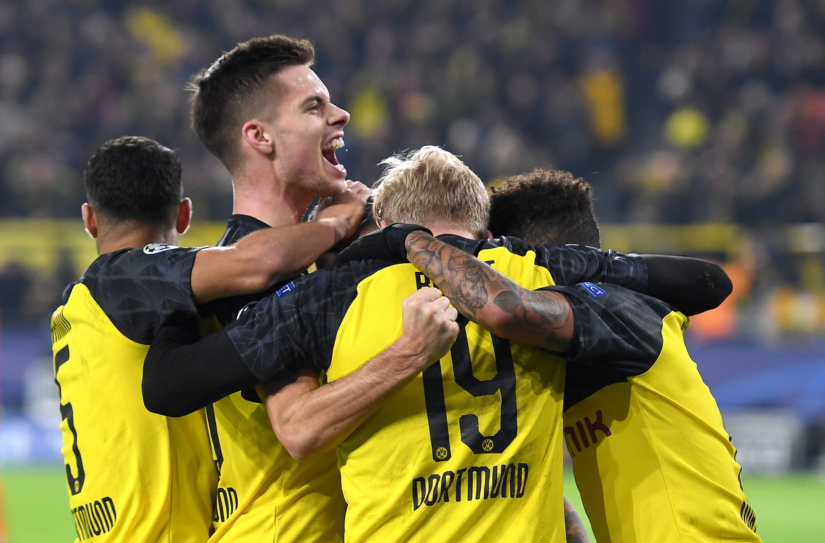 Pazza Inter si butta via, Dortmund rimonta e vince 3-2