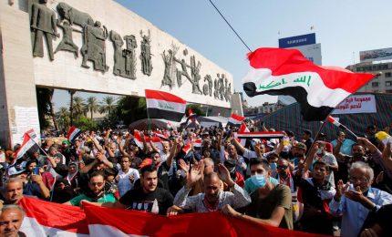 Iraq, 4 manifestanti uccisi dalla polizia a Baghdad