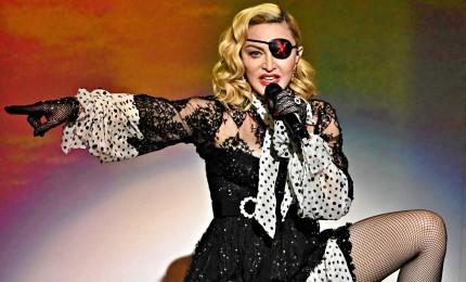 Madonna nella bufera, pubblica video cospirazionista sul Covid