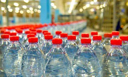 """Manovra """"inusuale"""", verso accordo su rinvio sugar tax e plastic tax"""