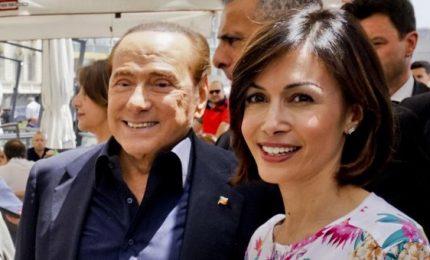 Ira Berlusconi contro Carfagna. L'azzurra vede Toti ma (per ora) non strappa