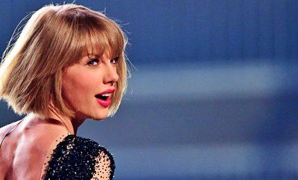 """""""Vince"""" Taylor Swift, potrà cantare sue vecchie hit a Ama"""