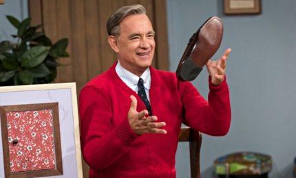 """Tom Hanks è Fred Rogers nel film """"Un Amico Straordinario"""""""