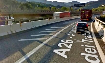 Crollo viadotto, riapre l'A26. Maggioranza e opposizioni, subito governo in Aula