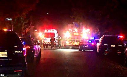Entra in giardino e fa strage al party, 4 morti in California