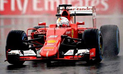 In Brasile le Ferrari volano sul bagnato