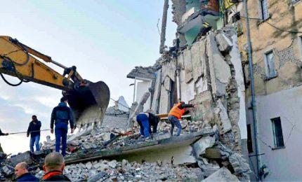 Terremoto in Albania, almeno 13 vittime e centinaia di feriti. Avrebbe potuto generare uno tsunami