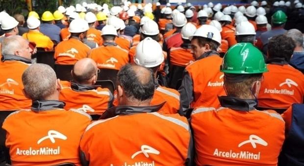 """ArcelorMittal, tutti contro tutti. La nuova proposta di Conte per scongiurare il """"disastro sociale"""""""