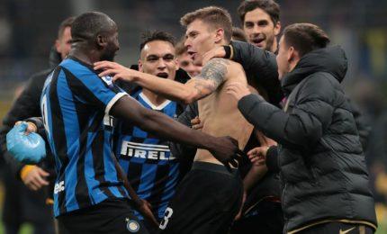 L'Inter torna in testa alla classifica, Barella fatale per il Verona