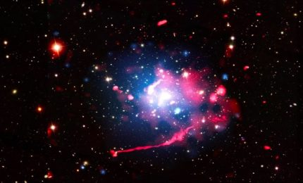 Astronomia, sorprendente 'murales' di radiogalassie