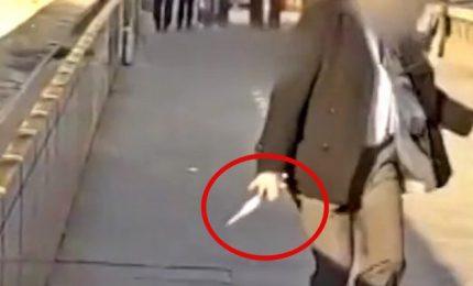 Attacco a Londra, 3 morti compreso l'attentatore legato a gruppi di matrice islamica. Tra accoltellati all'Aia