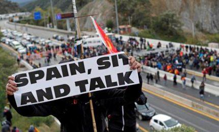 I separatisti catalani bloccano l'autostrada Francia-Spagna