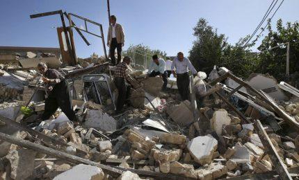 Potente terremoto scuote l'Iran, almeno 6 morti