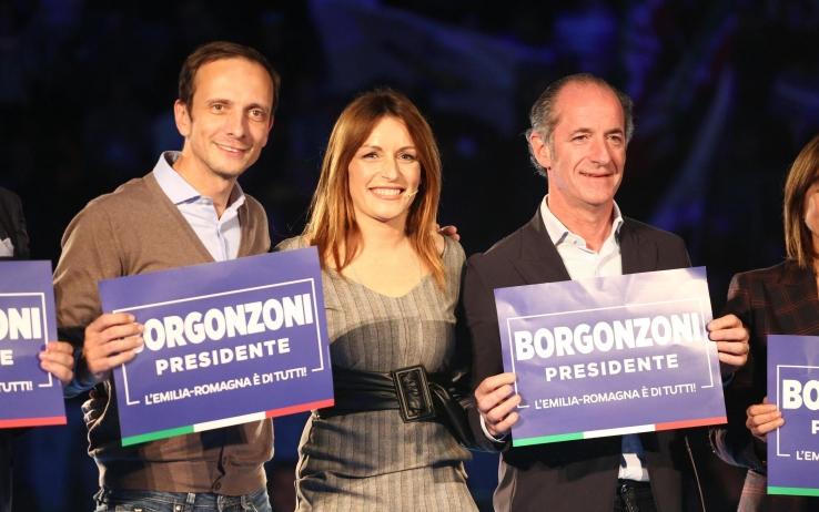 """Polemica su Zaia a Bologna. """"Sardine"""" in tutta Italia"""