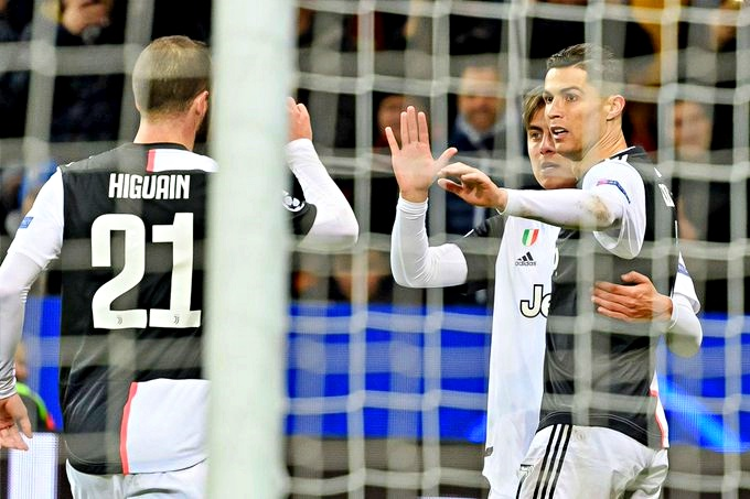 Ronaldo-Higuain, Juve chiude al top girone Champions