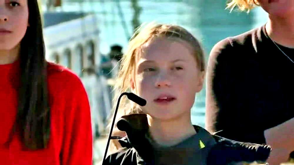 L'arrivo di Greta in catamarano a Lisbona, poi tappa alla Cop25