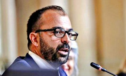 """Fioramonti lascia il Movimento 5 Stelle: """"Mi ha molto deluso"""". Scatta la solidarietà grillina verso l'ex ministro"""