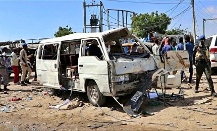 Strage a Mogadiscio: autobomba causa almeno 80 morti, molti sono studenti