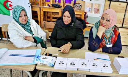 Algeria, urne aperte per le presidenziali del dopo Bouteflika
