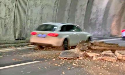 Autostrade liguri senza pace, cade parte di volta di una galleria. Ministero convoca Autostrade per l'Italia