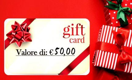 Natale, per regali vincono ancora negozi ma boom online