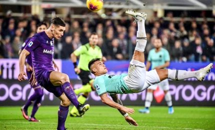 Inter beffata nel finale dalla Fiorentina, nerazzurri agganciati dalla Juve