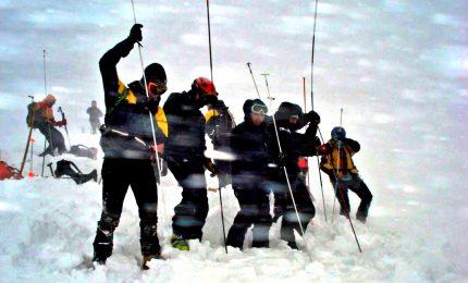 Allarme valanghe, tre morti e un ferito sulle Alpi