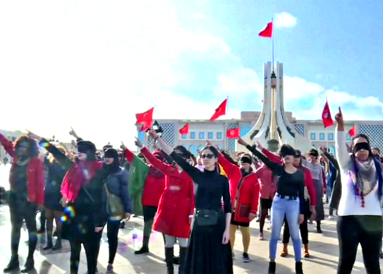 """A Tunisi """"El violador eres tu"""", flash mob cileno contro lo stupro"""