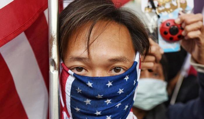 "Tornano le proteste a Hong Kong. I manifestanti inneggiano Trump: ""Aiutaci"""